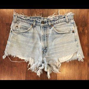 Levi's / Light Washed Denim Shorts